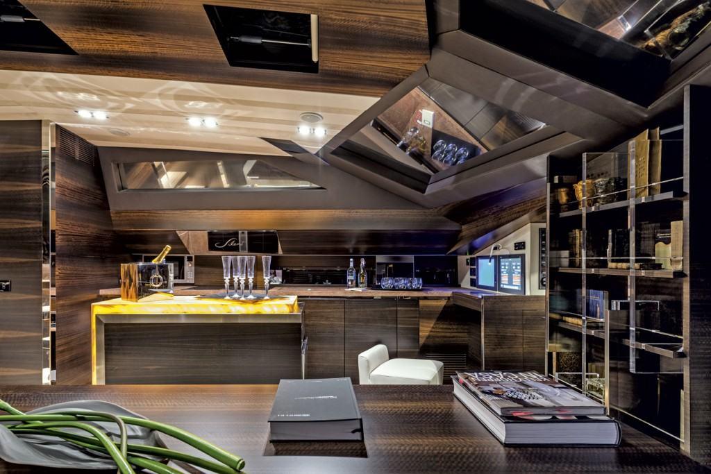 Admiral Silent 76 kitchen