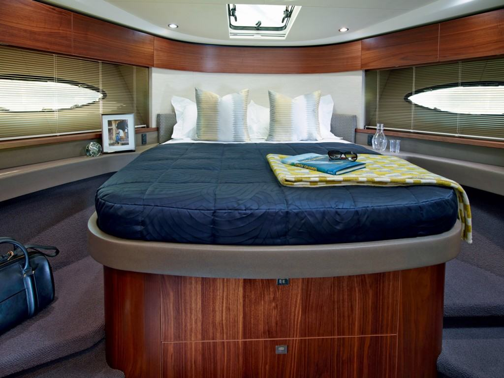 Princess 43 - cabin