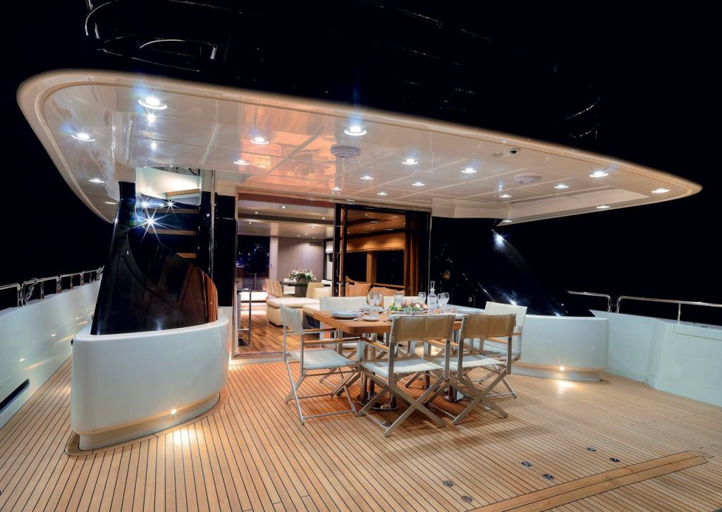 Oceanic Yachts 90 STS