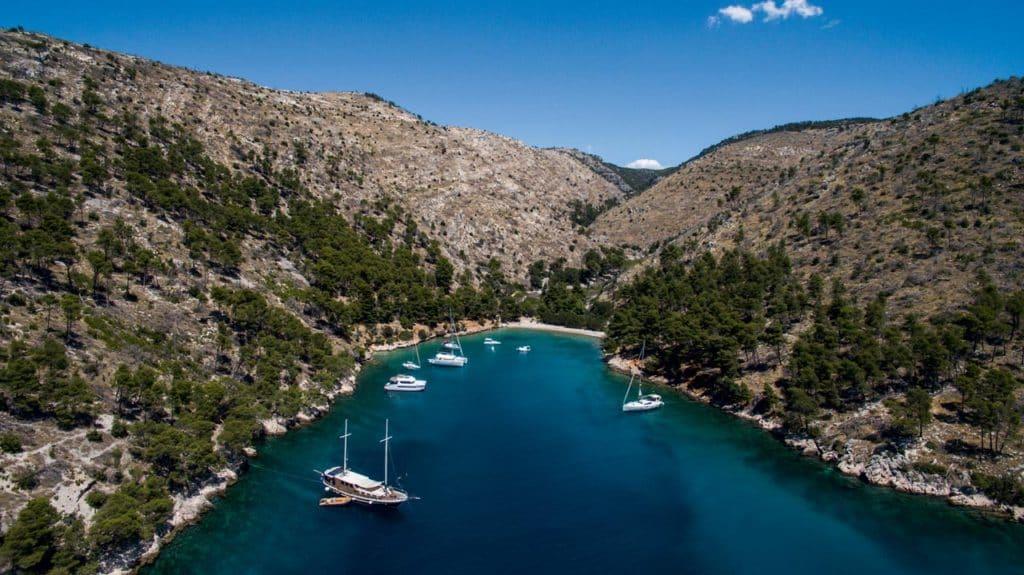 Plovidba srednjodalmatinskim akvatorijem
