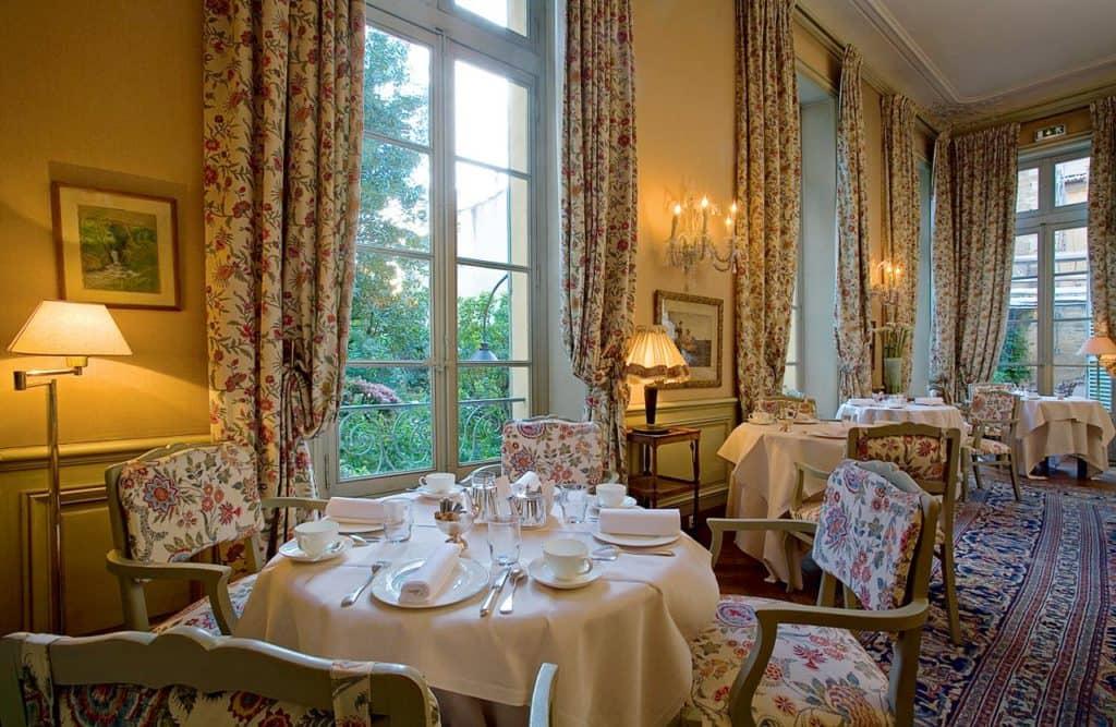 Hotel La Mirande, Salon Jardin