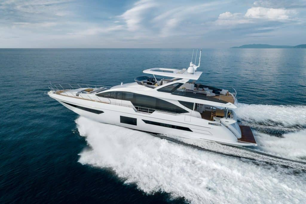 Azimut G25metri Dubai Boat Show