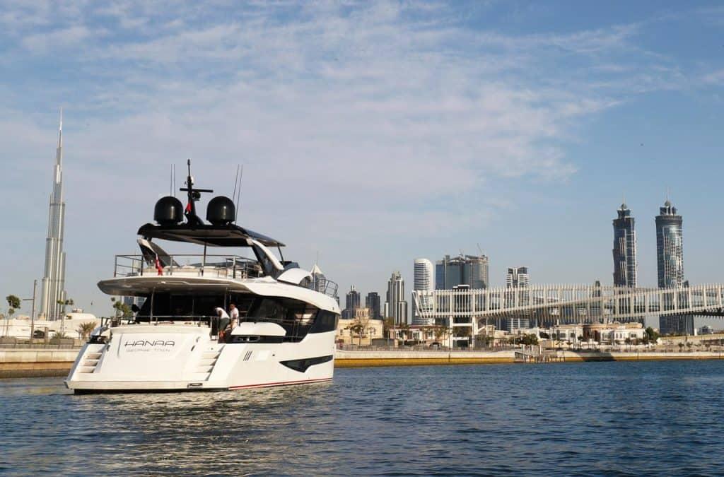 Dominator Hanna Dubai Boat Show