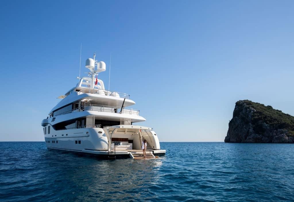 Alia Yachts Ruya 02