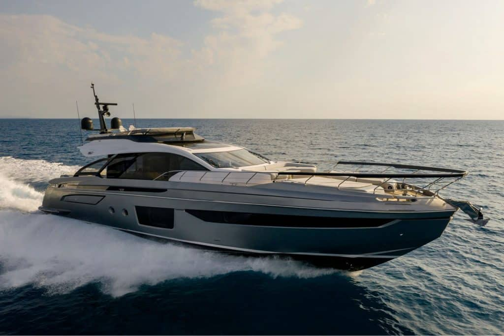 Azimut S8 Running Shot 01