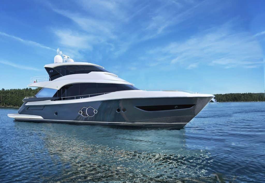 Monte Carlo Yachts 76 Skylounge Mooring 01