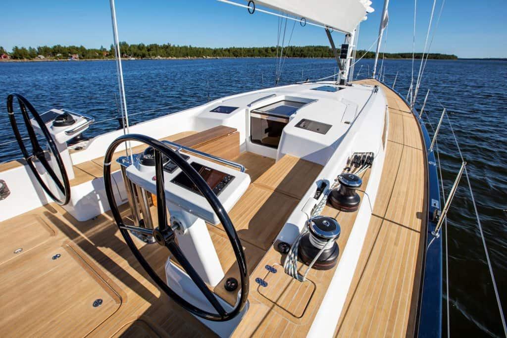 Swan 48 Deck View 01