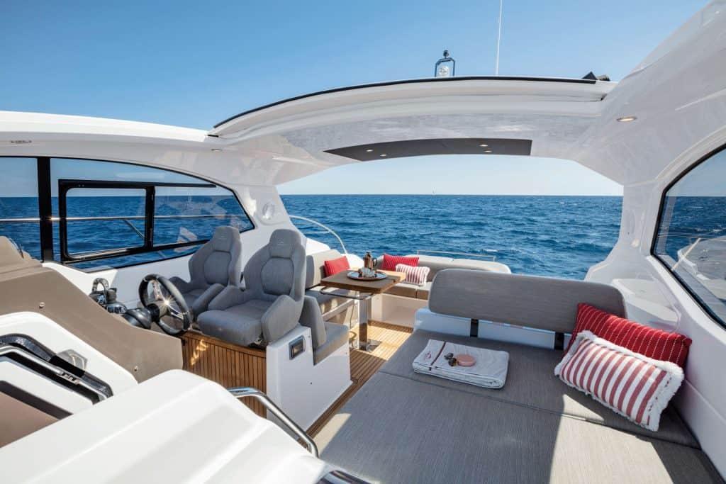 New Italian yacht Cockpit 01