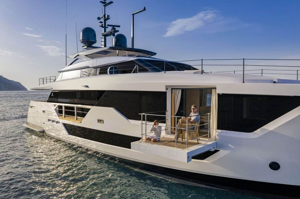 Italian yacht Private Terrace 01