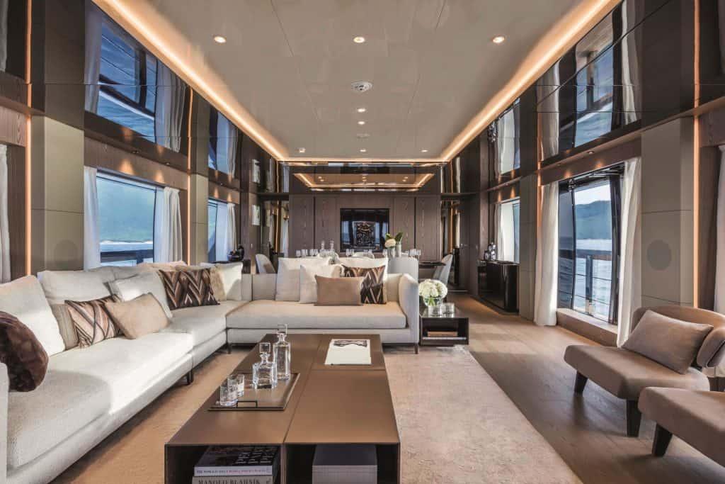 New Custom Line Yacht Saloon 01