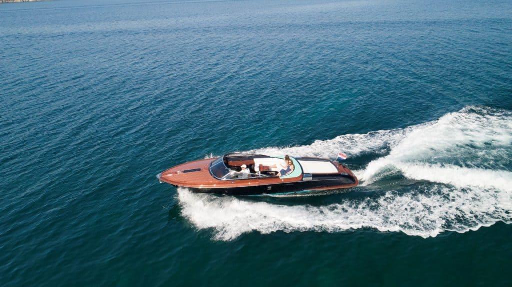 Day cruiser in Croatia