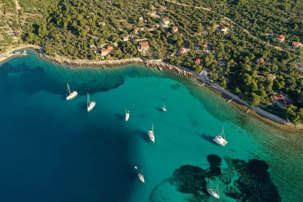 Sailing In Turquise Water In Croatia 01