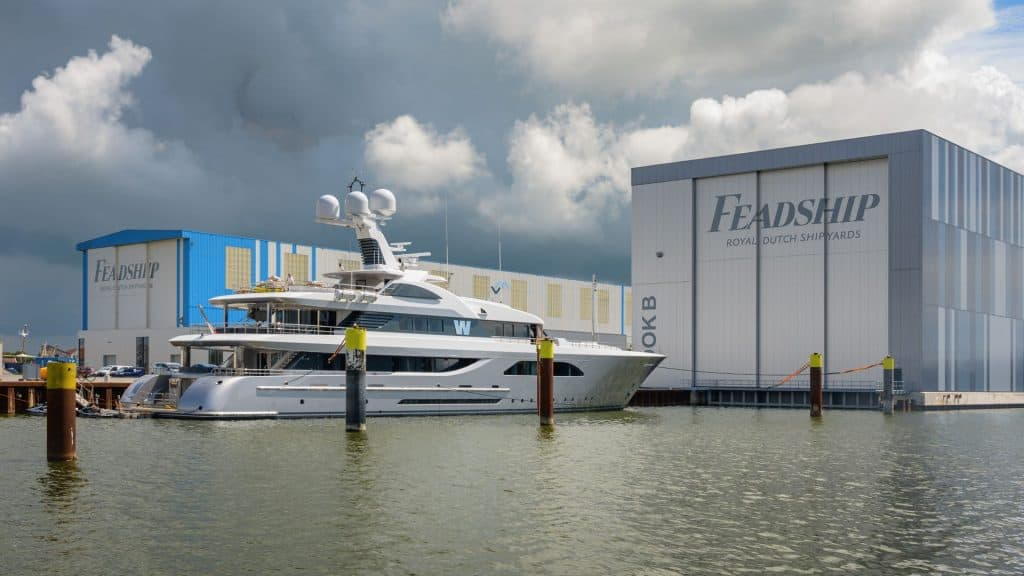 Feadship W Anchor 01