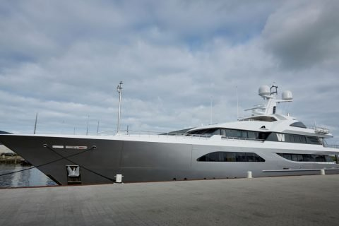 Feadship W Side View 01