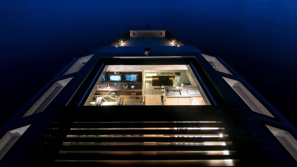 Mazu 82 Roof 01