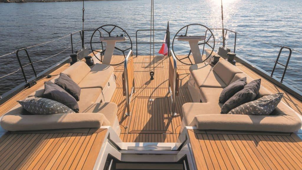 First 53 Yacht Kokpit 01