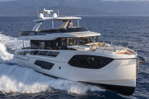 This is a photograph of a Absolute Navetta 64 Cruising 01