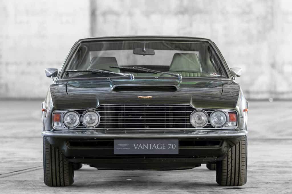 Aston Martin Dbs Vantage 01