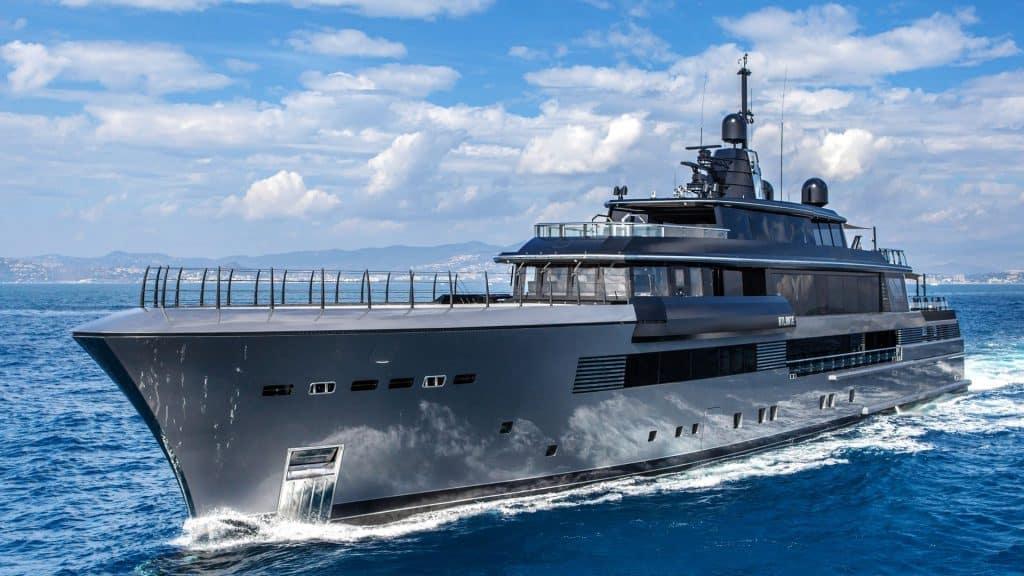 Crn Atlante Yacht Cruising 01