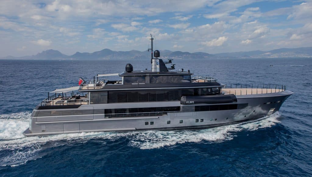This is a photography of a Crn Atlante Yacht Side View 01