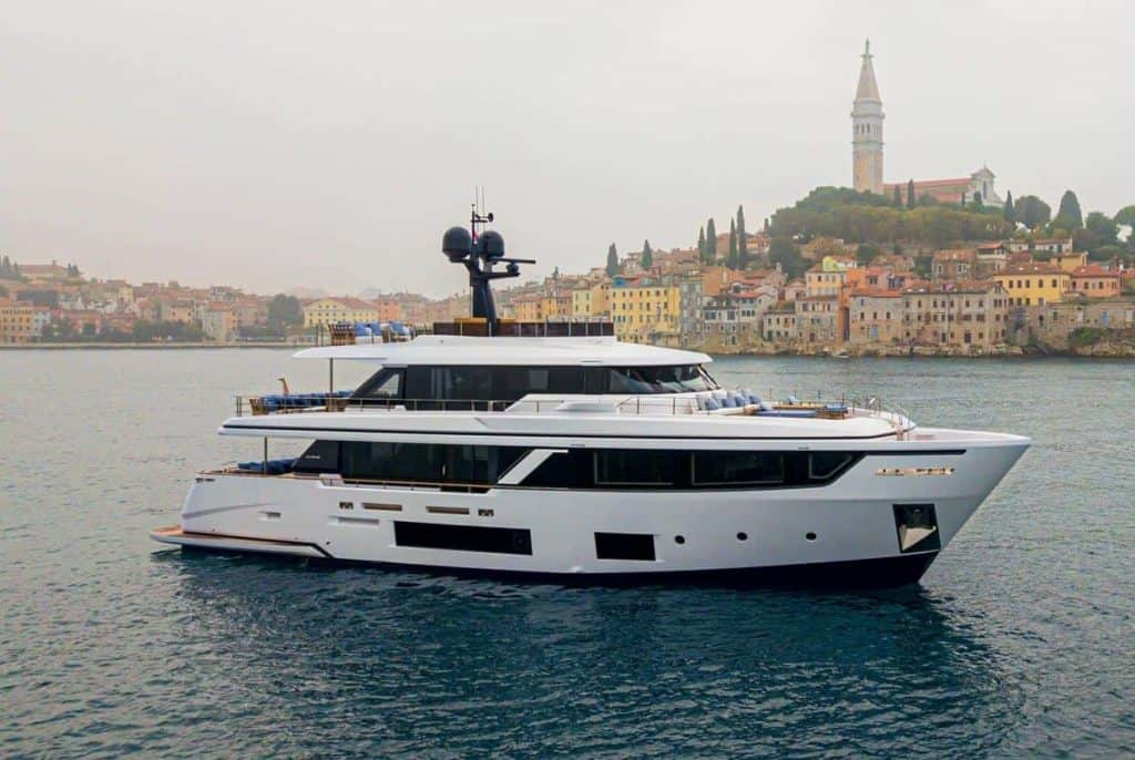 This is a photography of Custom Line Navetta 30 in Rovinj