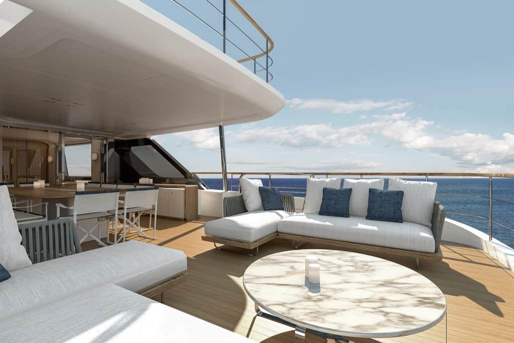 Thisi is a photo of a New Benetti Motopanfilo 37M Deck 00