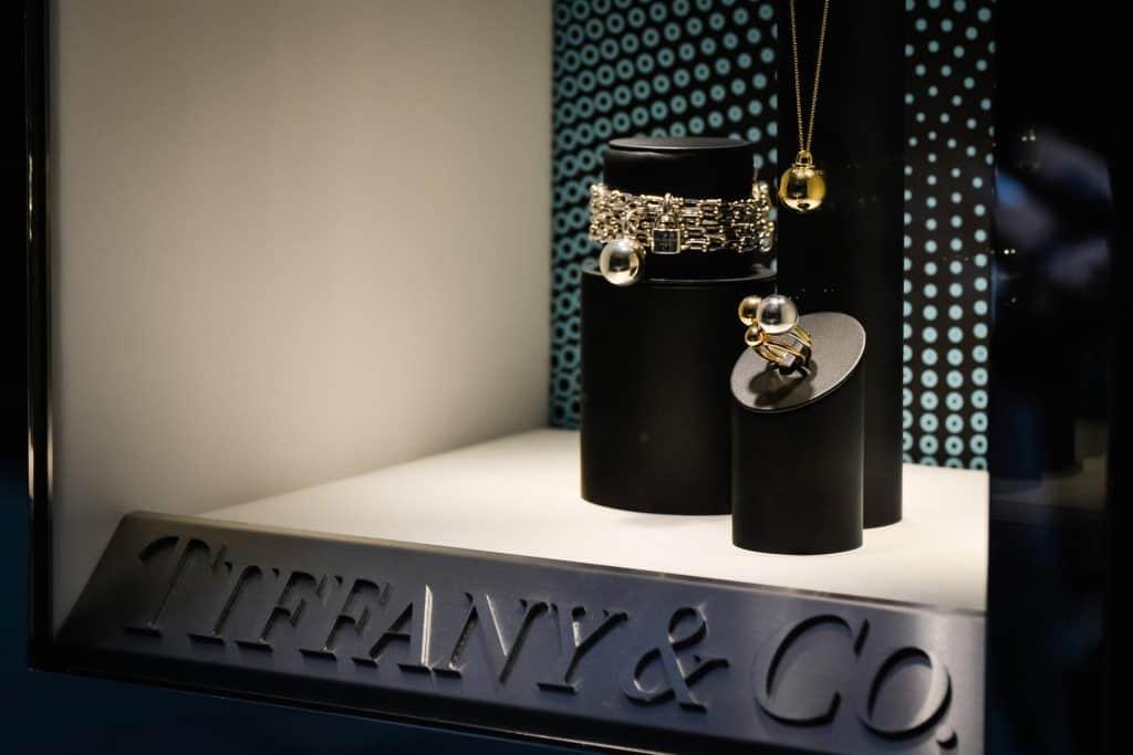 Ovo je fotografija Tiffany Izlog Nakit