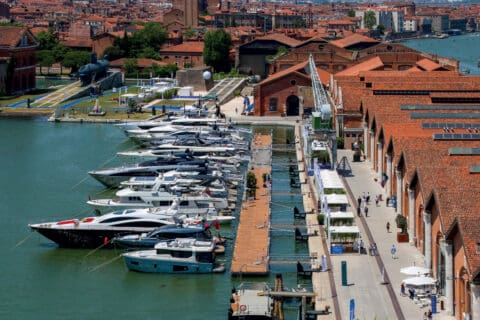 This is photo of a Venice Boat Show 2021 00