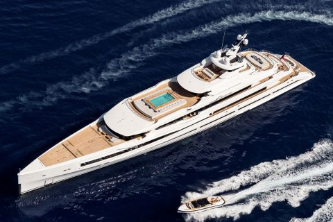 This is a photography of Benetti Lana