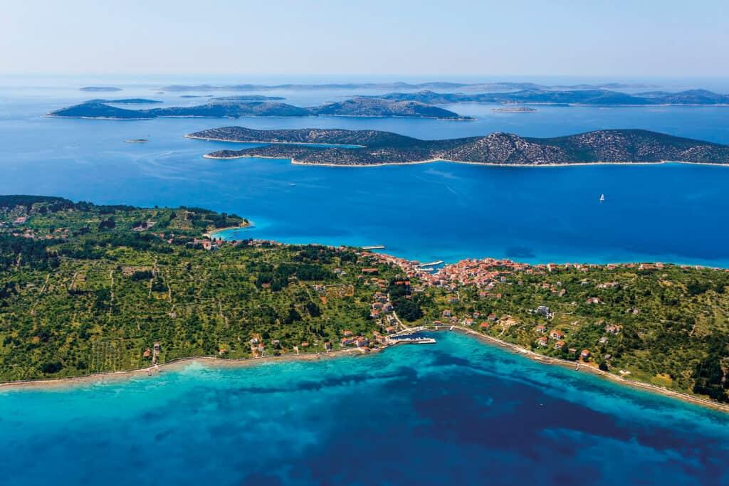Ovo je fotografija Otoka Prvic Uvale