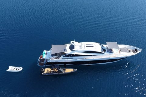 Yacht In Luxury Charter 01