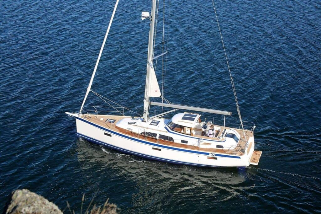 This is a photography of Hallberg Rassy 40C with hardtop