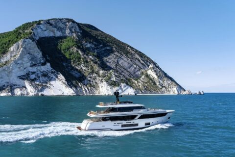 This is a photography of Custom Line Navetta 30 side view