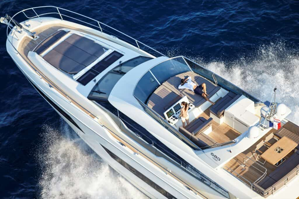 This is a photography of Prestige 680 flybridge