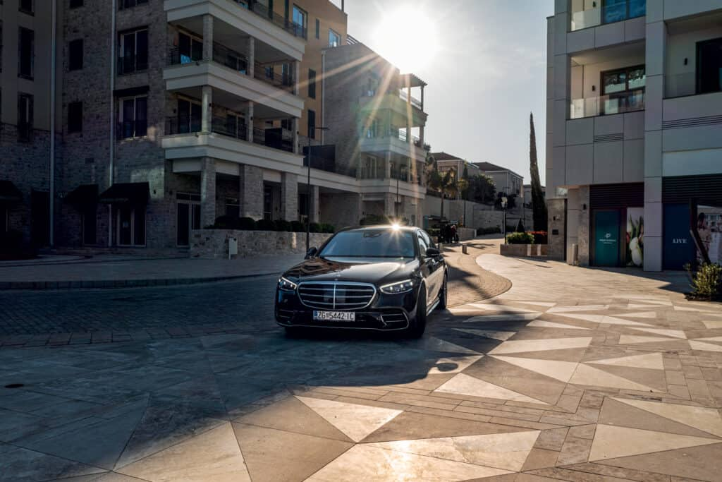 Ovo je fotografija nove Mercedes Benz S klase