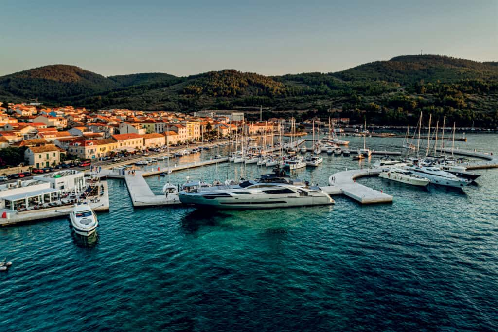 This is picture of yacht at marina