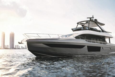 This is a photography of Azimut 68