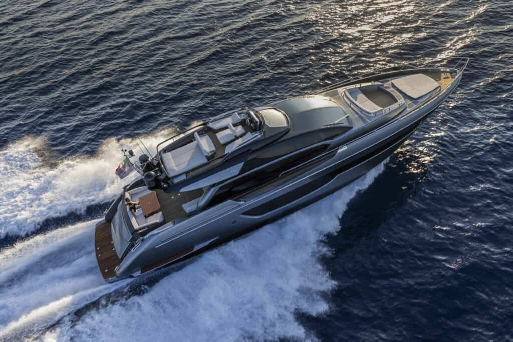 This is a photography of Riva 76 Perseo Super sport fly yacht