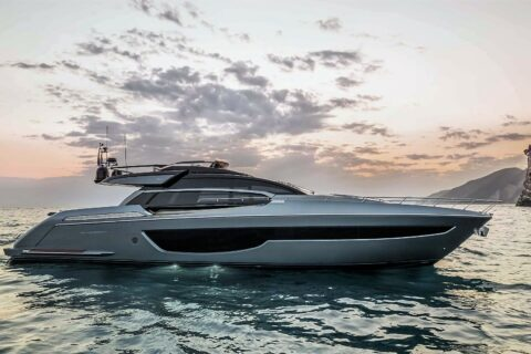 This is a photography of Riva 76 Perseo Super