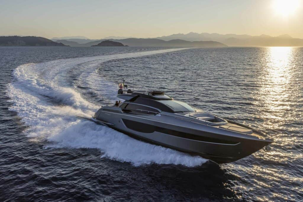 This is a photography of Riva 76 Perseo Super cruising